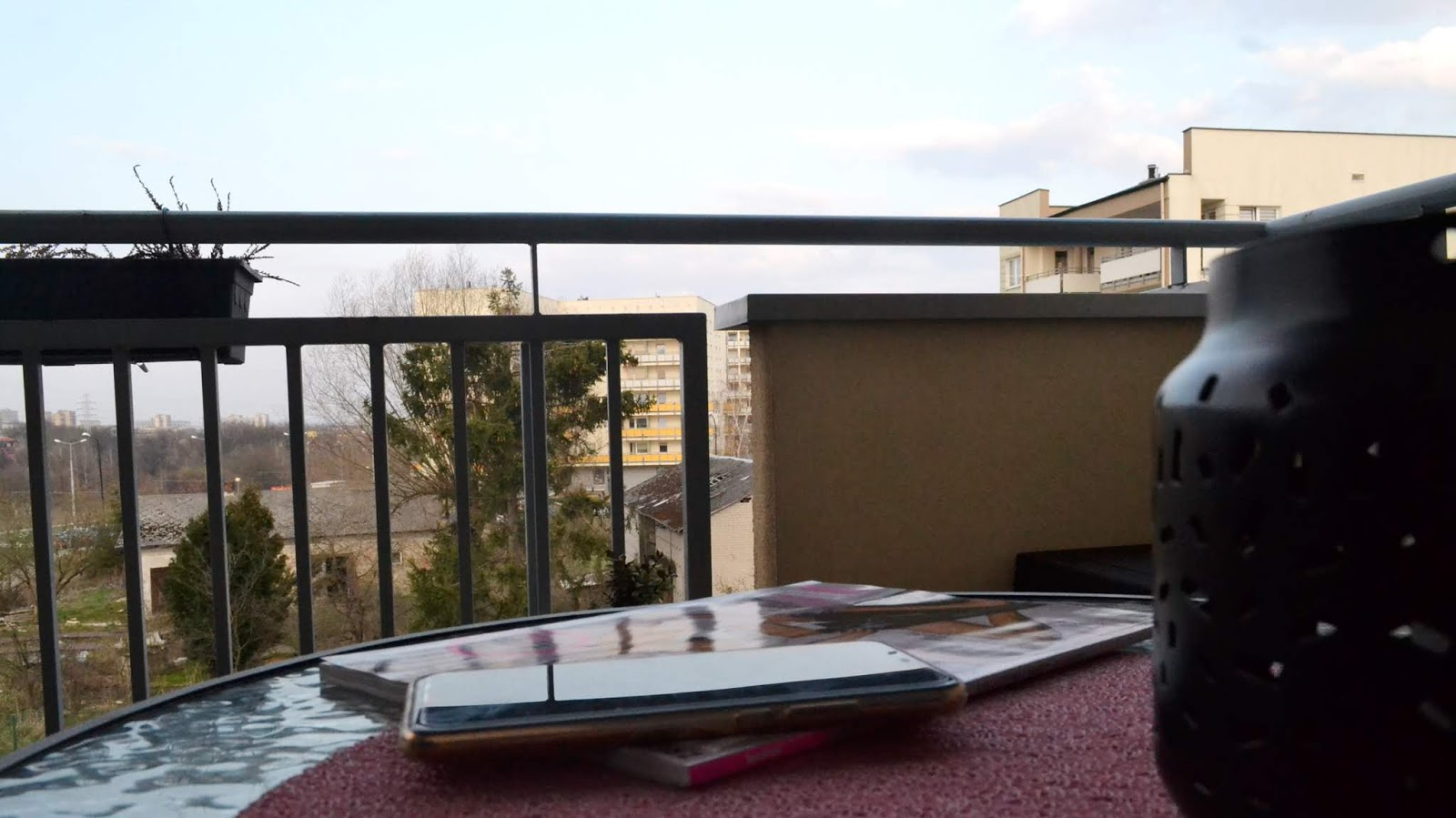 Wiosenne porządki z BNS – sprzątanie balkonu i tarasu